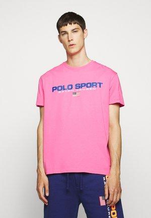T-shirt print - blaze knockout pink