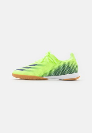 X GHOSTED.3 FOOTBALL SHOES INDOOR - Botas de fútbol sin tacos - signal green/energy ink