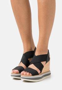 Paloma Barceló - FILIPINAS - Sandály na vysokém podpatku - black - 0