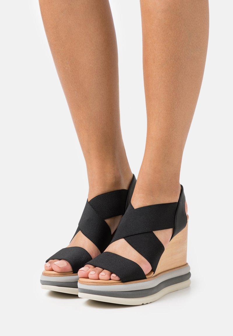 Paloma Barceló - FILIPINAS - Sandály na vysokém podpatku - black