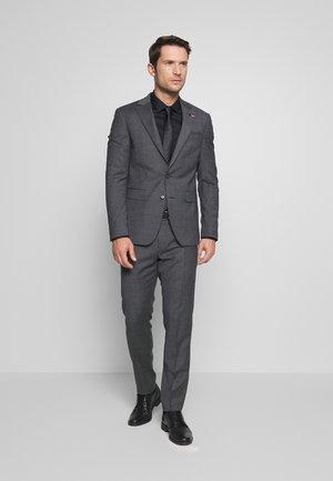 SLIM FIT FAKE SOLID SUIT - Suit - grey