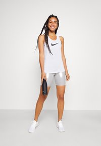 Nike Performance - DRY BALANCE - T-shirt sportiva - white/black - 1