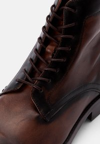 Hudson London - CEDAR - Snörstövletter - brown - 5