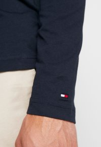 Tommy Hilfiger - LONG SLEEVE LOGO - Long sleeved top - navy - 5