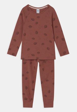 Pyjama set - redwood