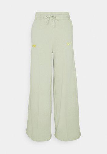 PANT - Jogginghose - olive aura