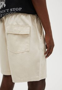 PULL&BEAR - Denim shorts - beige - 5