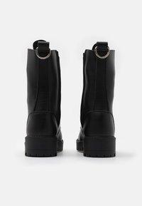 NAE Vegan Shoes - MANDY VEGAN - Platform-saappaat - black - 3