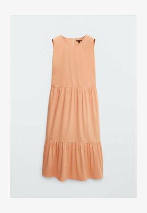 MIT SEITLICHEN SCHLITZEN - Day dress - orange