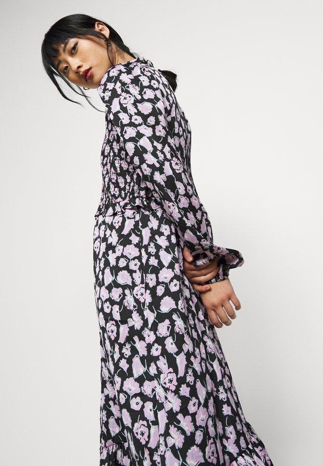 VMCHARLOTTE SMOCK DRESS - Day dress - black