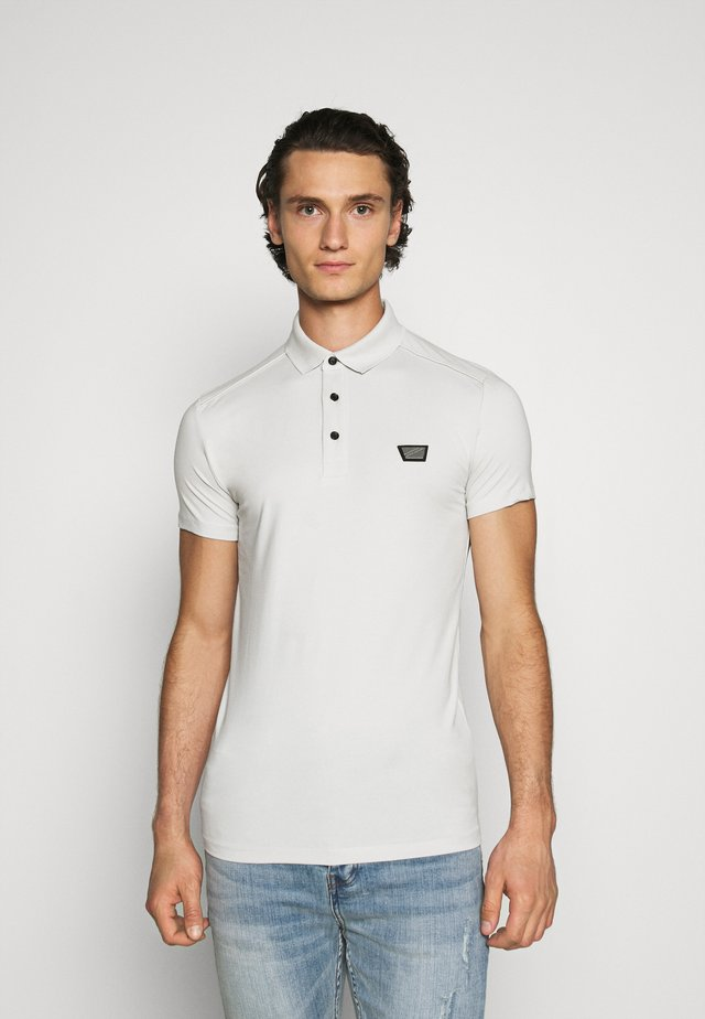 PLATE ON FRONT - Polo shirt - ice