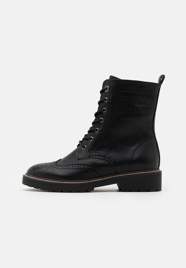 BOOTS - Plateaustiefelette - black