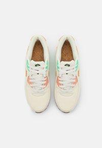 Nike Sportswear - AIR MAX 90 - Sneakers laag - coconut milk/mtallic gold/green glow/light bone/apricot agate/lime glow - 6