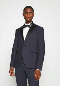 Isaac Dewhirst - TEXTURED TUX - Costume - dark blue - 3