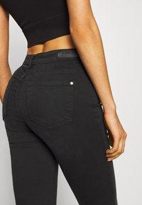 ONLY - ONLISA4 LIFE REG ZIP - Jeans Skinny Fit - black denim - 5