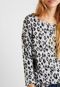 ONLY - ONLELCOS - Camiseta de manga larga - light grey melange - 5