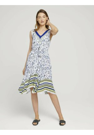 Day dress - offwhite paisley design