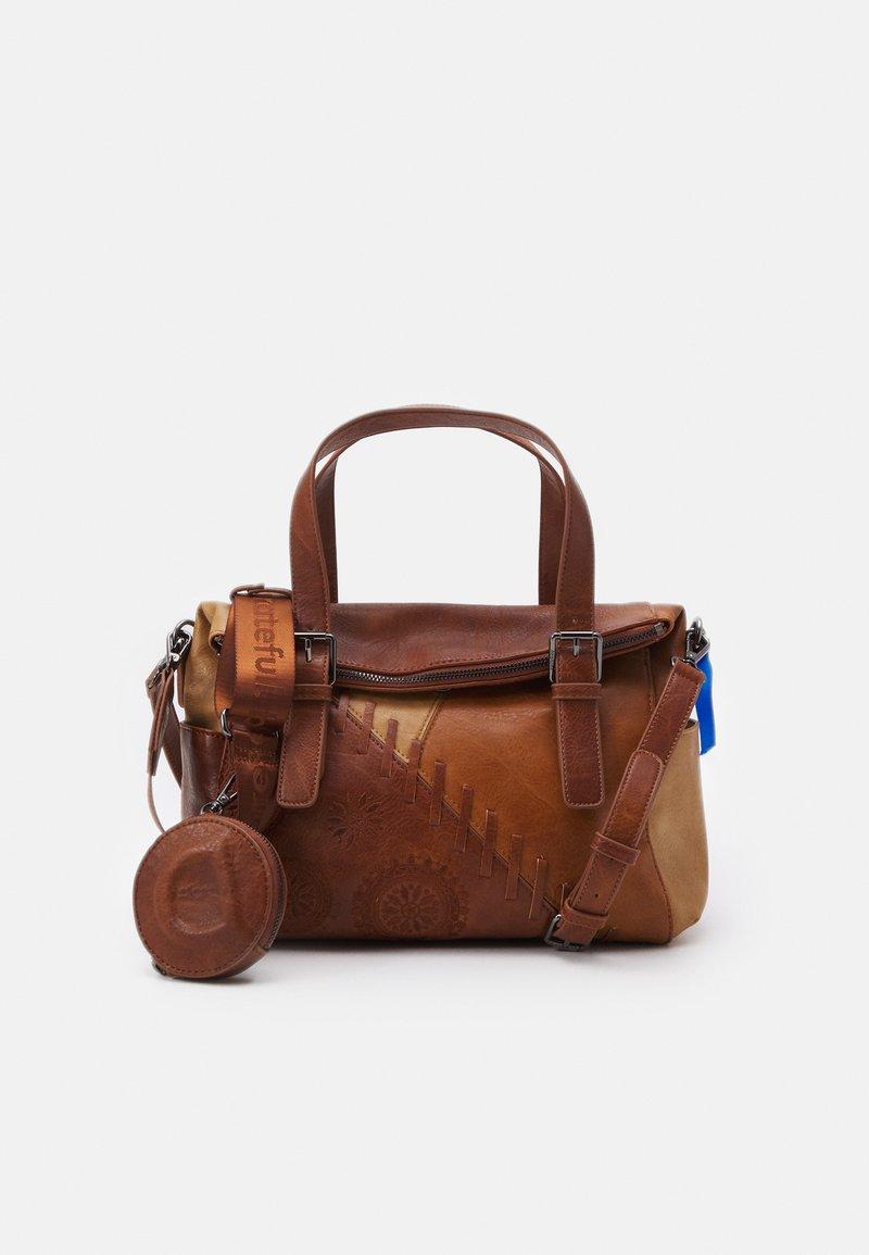 Desigual - BOLS PARKER LOVERTY - Tote bag - camel
