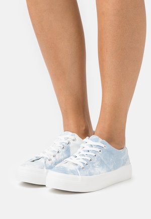 VIOLETT - Baskets basses - light blue