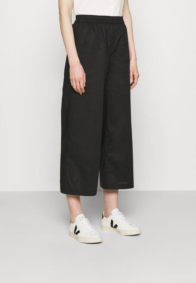 IRJA - Pantaloni - black