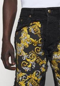 Versace Jeans Couture - Denim shorts - nero - 7