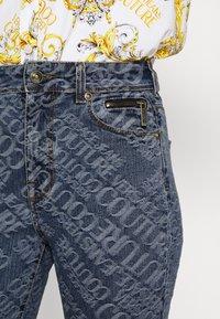 Versace Jeans Couture - Vaqueros pitillo - indigo - 5
