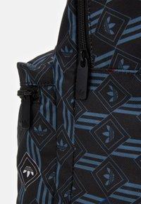 adidas Originals - MONOGRAM  - Rucksack - black - 3