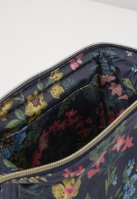 Cath Kidston - FRAME COSMETIC BAG - Travel accessory - navy - 5