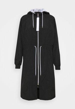 FASSANDRA - Klasický kabát - black