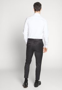 New Look - JAY CROP - Oblekové kalhoty - black - 2