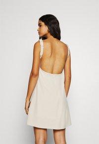 Fashion Union - SPIN DRESS - Kjole - cream - 2