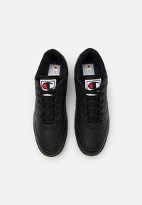 Champion - LOW CUT SHOE CHICAGO - Sports shoes - new black - 3