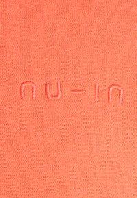 NU-IN - CROPPED HOODIE - Hoodie - orange - 2