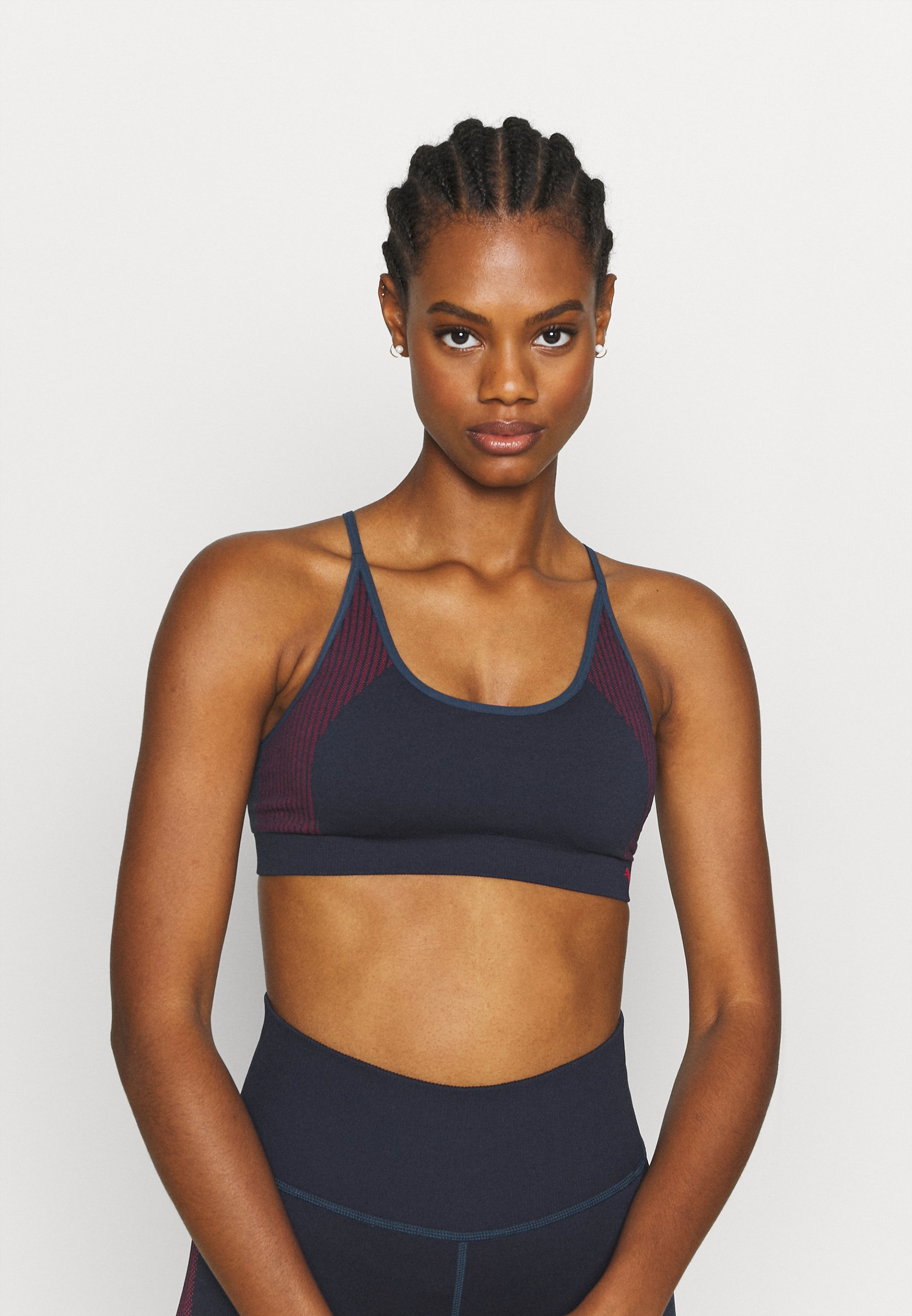 Women LOW IMPACT STRAPPY SEAMLESS BRA - Light support sports bra