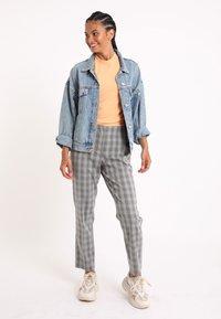Pimkie - Kalhoty - grau - 0