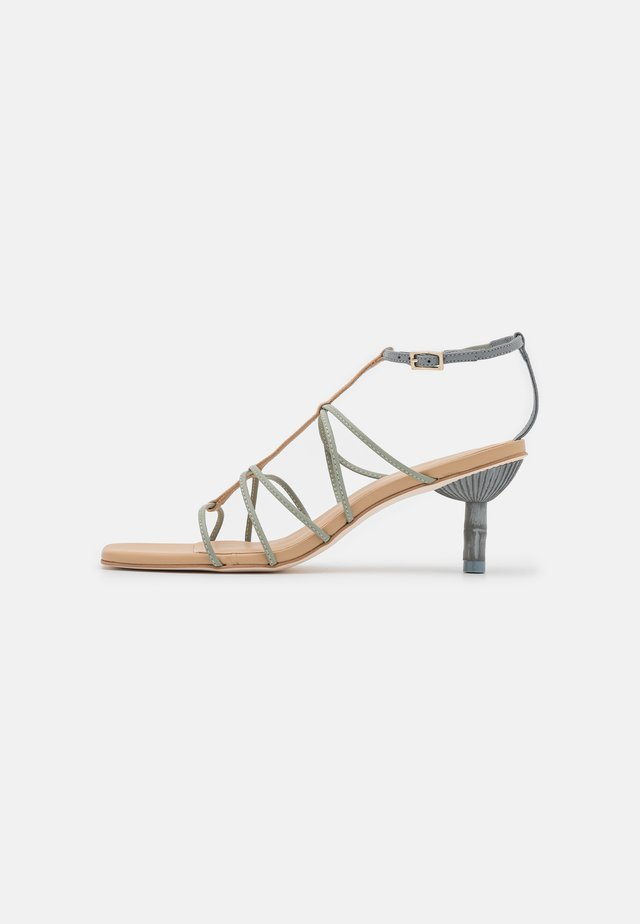 NANCY - Sandalen - pewter/multicolor