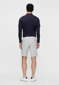 J.LINDEBERG - ELOY - Outdoor shorts - stone grey - 2
