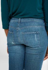 JUNAROSE - by VERO MODA - JRFIVESANLI - Jeans Skinny Fit - dark blue denim - 3