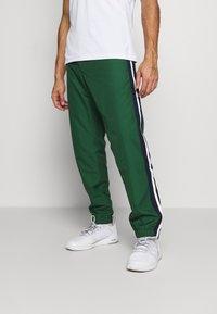 Lacoste Sport - Spodnie treningowe - green - 0