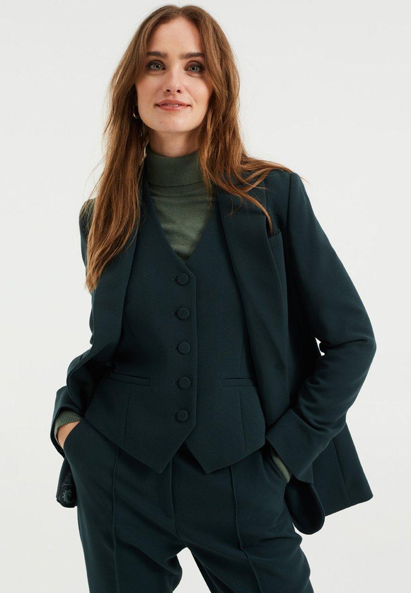 WE Fashion - REGULAR FIT - Blazer - moss green