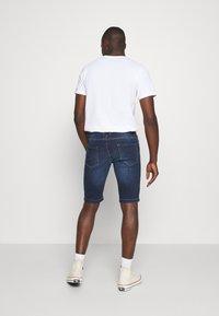 Redefined Rebel - HAMPTON - Denim shorts - mid blue - 2