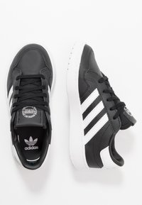 adidas Originals - TEAM COURT - Baskets basses - core black/footwear white/clear black - 0