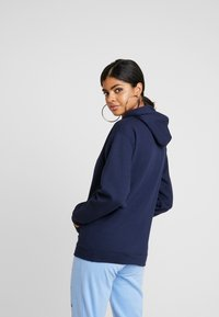 NEW girl ORDER - REFLECTIVE HOODIE - Mikina s kapucí - navy - 2