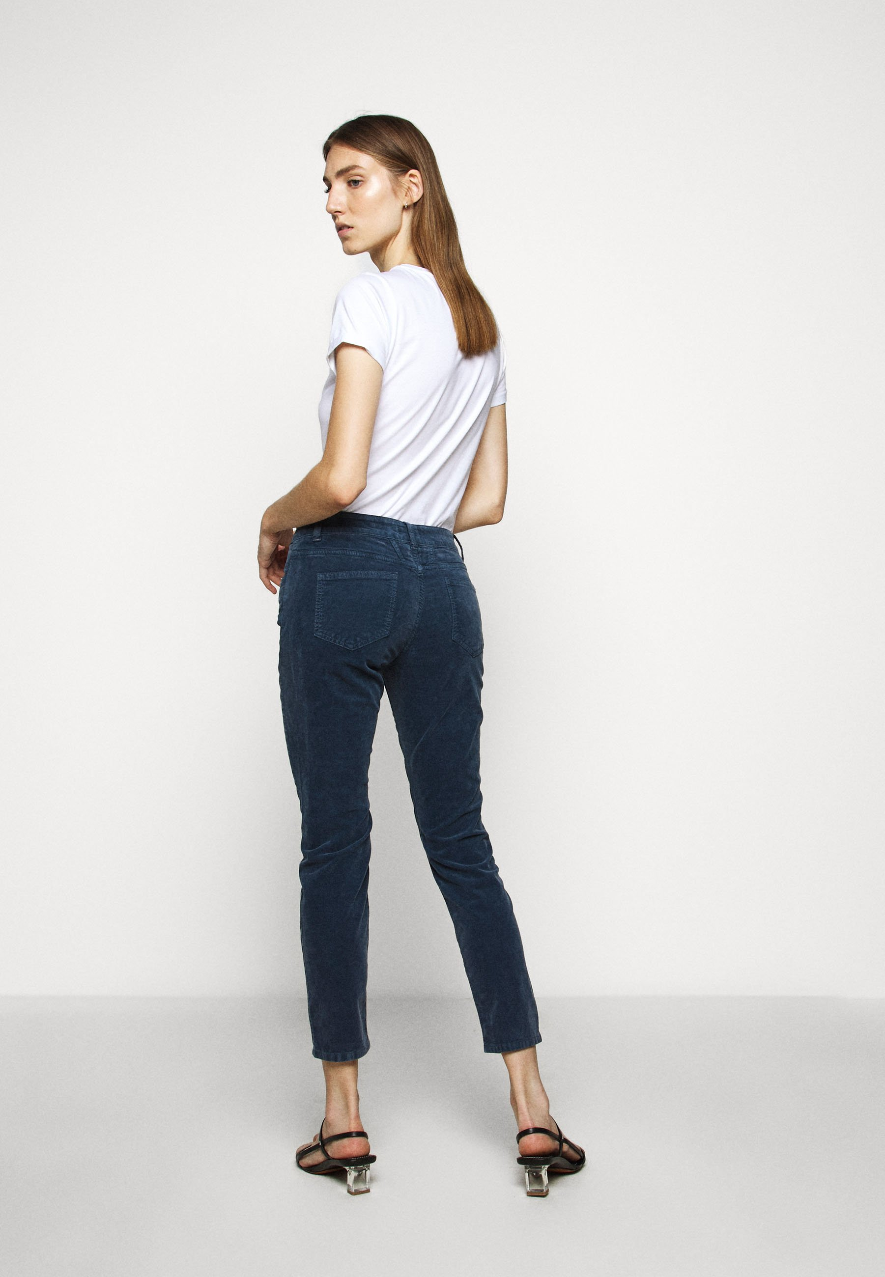 Purchase Women's Clothing CLOSED BAKER Trousers archive blue t541dHuK1