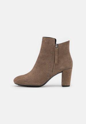 LOISIA - Classic ankle boots - dark beige