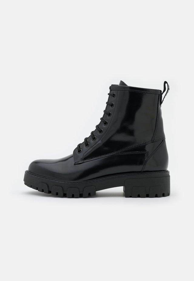 NEW ALPHA - Veterboots - black