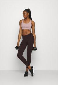 Sweaty Betty - POWER WORKOUT 7/8 LEGGINGS - Leggings - black cherry/purple - 1