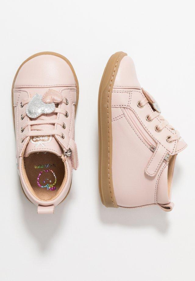 BOUBA HEART - Baby shoes - light pink/silver