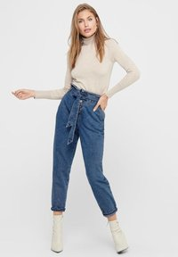 ONLY - HIGH WAIST ONLJANE HW BUTTON PAPERBAG BELT - Relaxed fit jeans - medium blue denim - 1