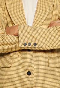 Gina Tricot - ROBYN  - Blazer - yellow - 5